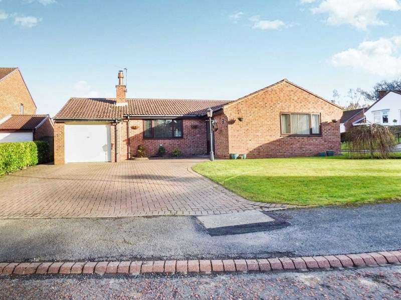 3 Bedrooms Bungalow for sale in Swallow Close, Esh Winning, Durham, Durham, DH7 9JN