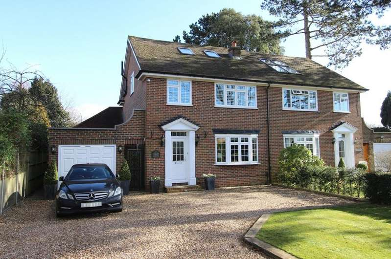 4 Bedrooms Semi Detached House for sale in De Burgh Park, Banstead