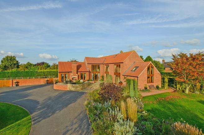4 Bedrooms Country House Character Property for sale in Blackford House, Top Green, Sibthorpe, Nottinghamshire NG23 5PN