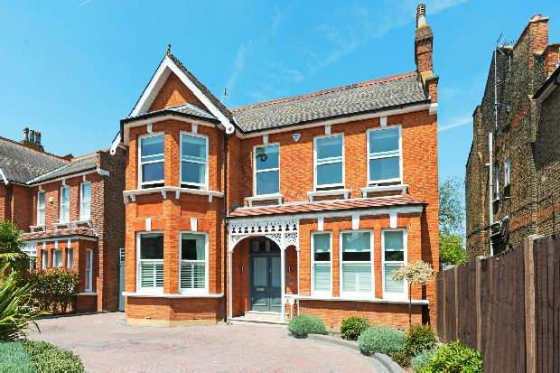 6 Bedrooms Unique Property for sale in Walm Lane, Mapesbury, NW2