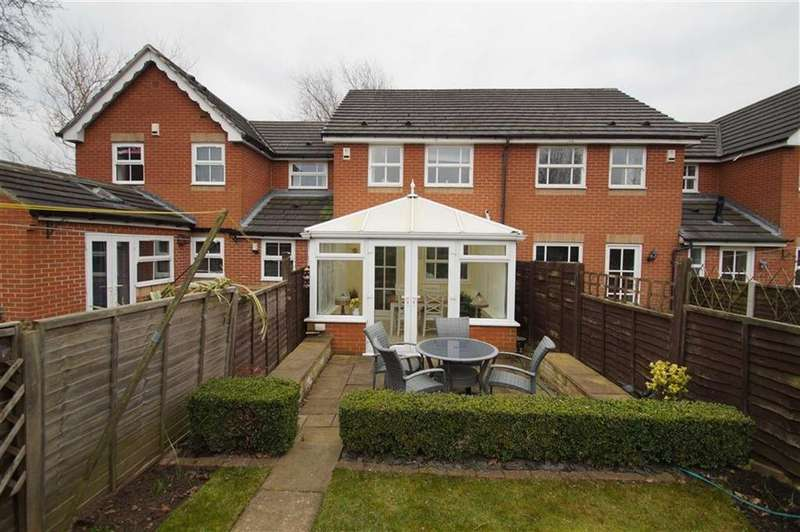 2 Bedrooms Terraced House for sale in Temple Row Close, Leeds