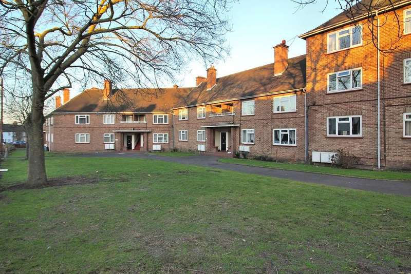 2 Bedrooms Ground Flat for sale in Upper Bridge Road, Chelmsford, Essex, CM2