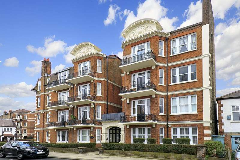 3 Bedrooms Flat for sale in Hauteville Court Gardens, London