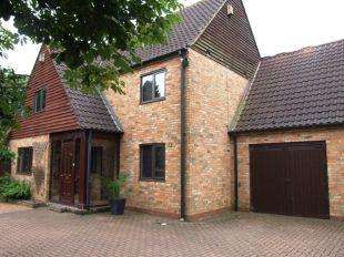 4 Bedrooms Detached House for rent in Old Groveway, Simpson, Milton Keynes