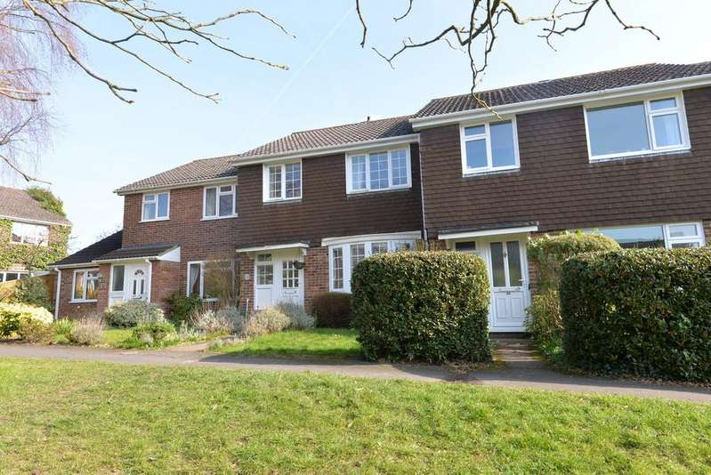 3 Bedrooms Terraced House for sale in Stanford Rise, Sway, Lymington