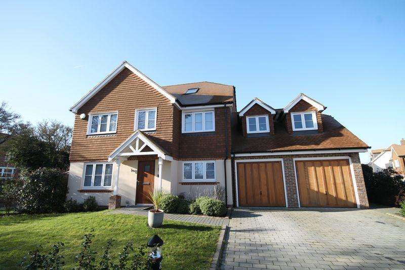 5 Bedrooms Detached House for sale in Hurstbeech Close, Hurstpierpoint, West Sussex,