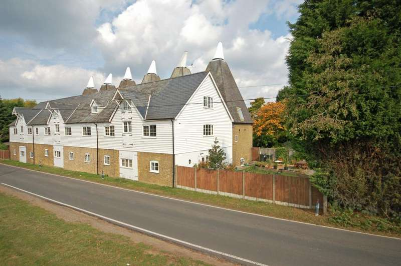 3 Bedrooms Terraced House for rent in Denstead Oast, Chartham Hatch, Canterbury, CT4