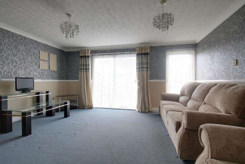3 Bedrooms Terraced House for sale in Canterbury Way, St Nicholas, Stevenage