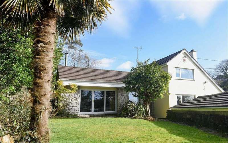 4 Bedrooms Detached House for sale in Lowertown, Lowertown, Helston, Cornwall, TR13