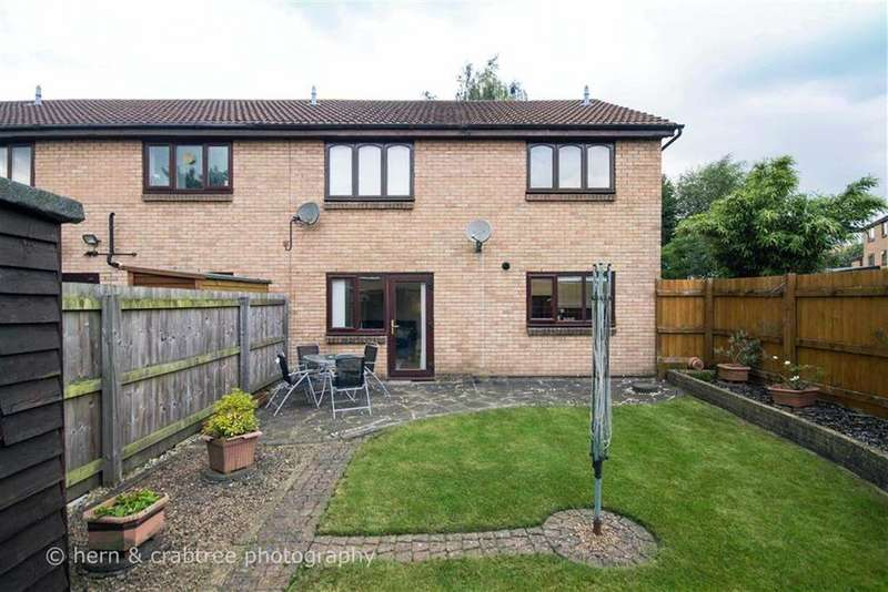 2 Bedrooms Maisonette Flat for sale in Oxwich Close, Fairwater, Cardiff