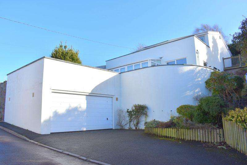 4 Bedrooms Detached House for sale in Walton Bay, Clevedon