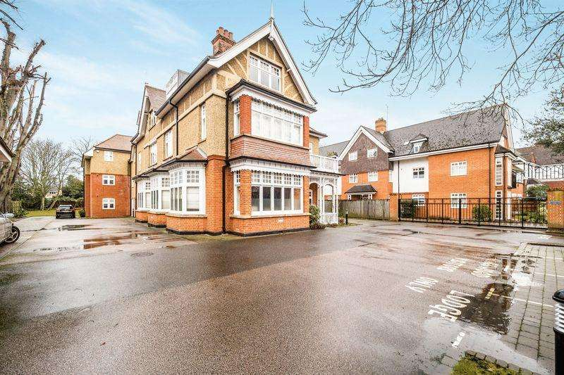 2 Bedrooms Apartment Flat for sale in Main Road, Gidea Park