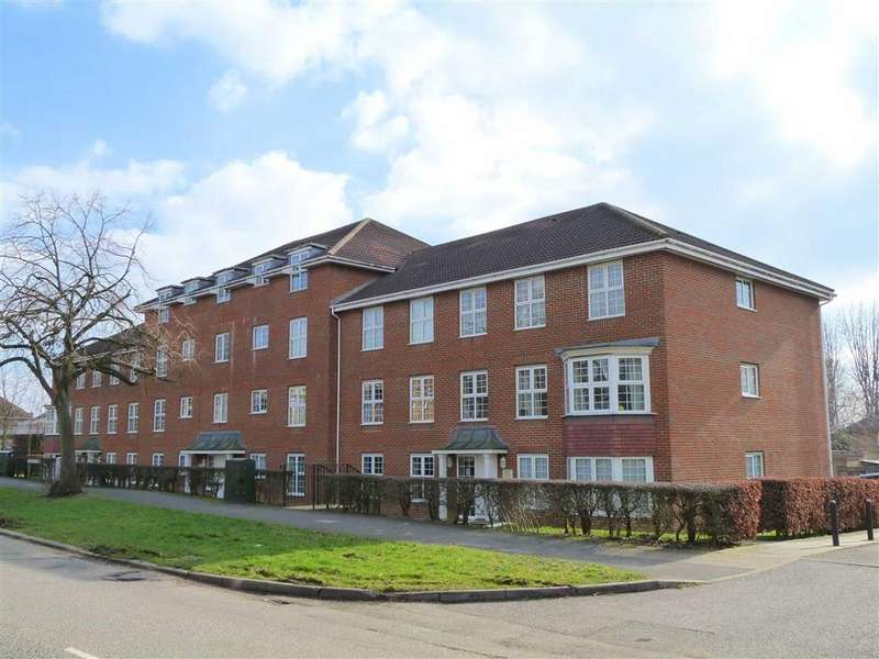 2 Bedrooms Flat for sale in Cole Green Lane, Welwyn Garden City