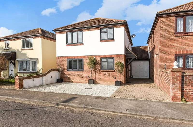 4 Bedrooms Detached House for sale in Legion Way, East Wittering, PO20