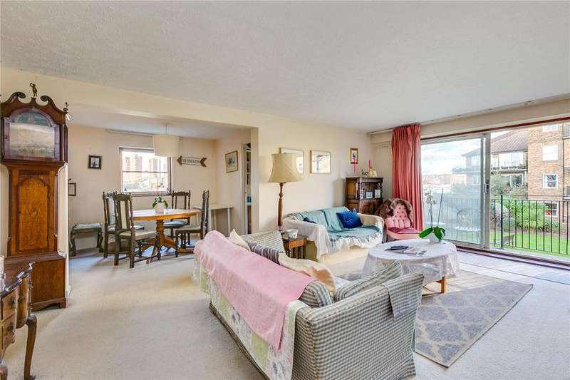 4 Bedrooms Flat for sale in Whistlers Avenue, London