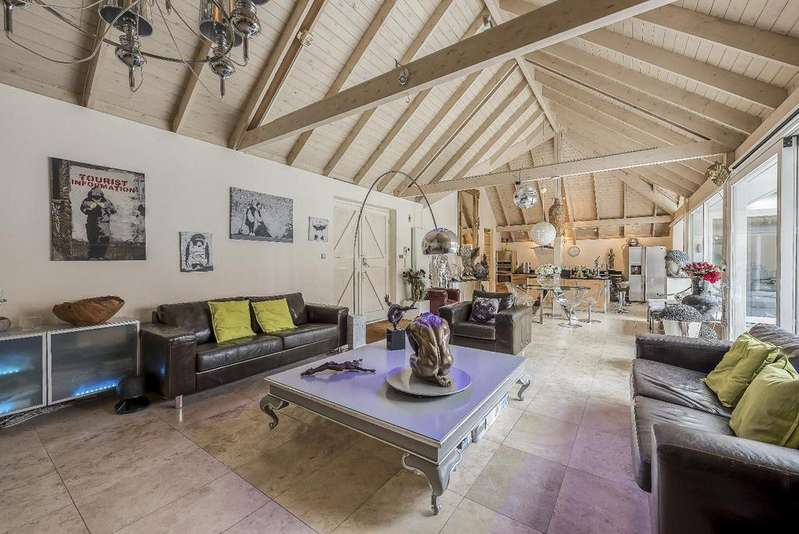 4 Bedrooms Detached House for sale in WILDERNESS MEWS, SW4
