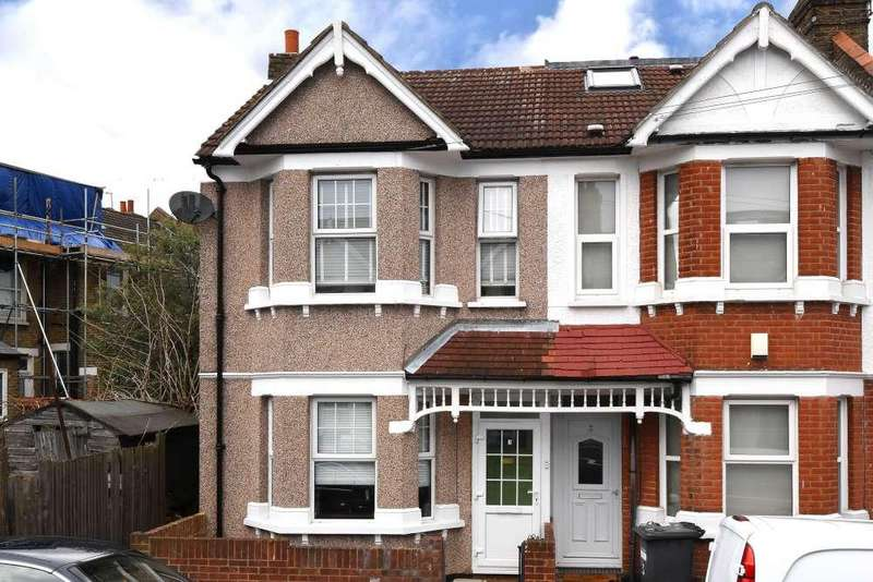 3 Bedrooms End Of Terrace House for sale in Datchet Road