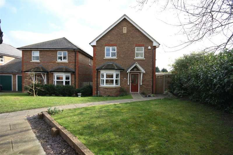 3 Bedrooms Detached House for sale in Temple Wood Drive, Redhill, Surrey, RH1