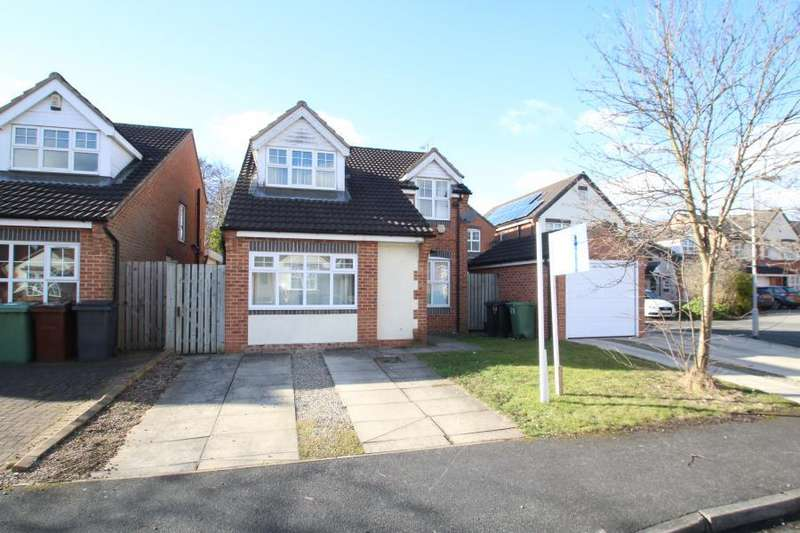 4 Bedrooms Detached House for sale in BOOTHROYD DRIVE, MEANWOOD, LEEDS, LS6 2SL