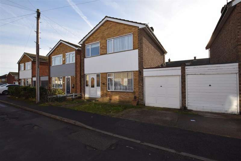 3 Bedrooms Link Detached House for sale in St. Andrews Close, Canvey Island