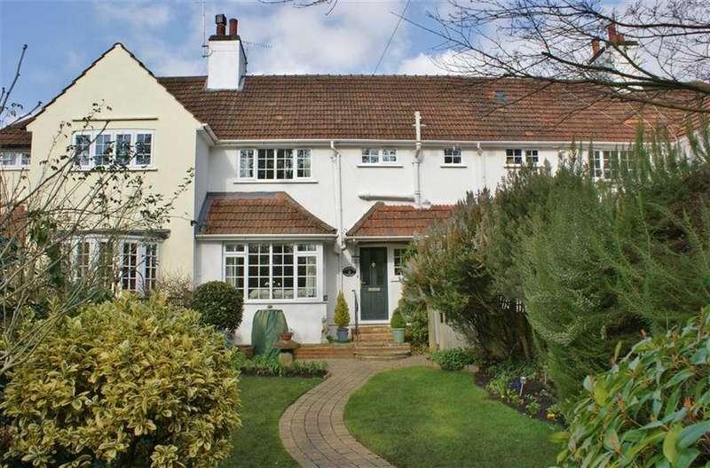 3 Bedrooms Cottage House for sale in Sandy Lane, Cobham, Surrey, KT11
