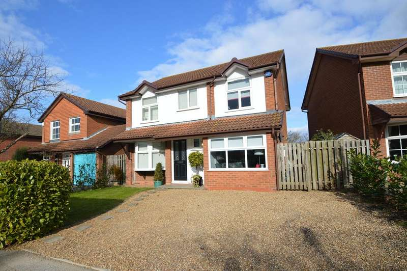 4 Bedrooms Detached House for sale in WALTON ON THAMES KT12