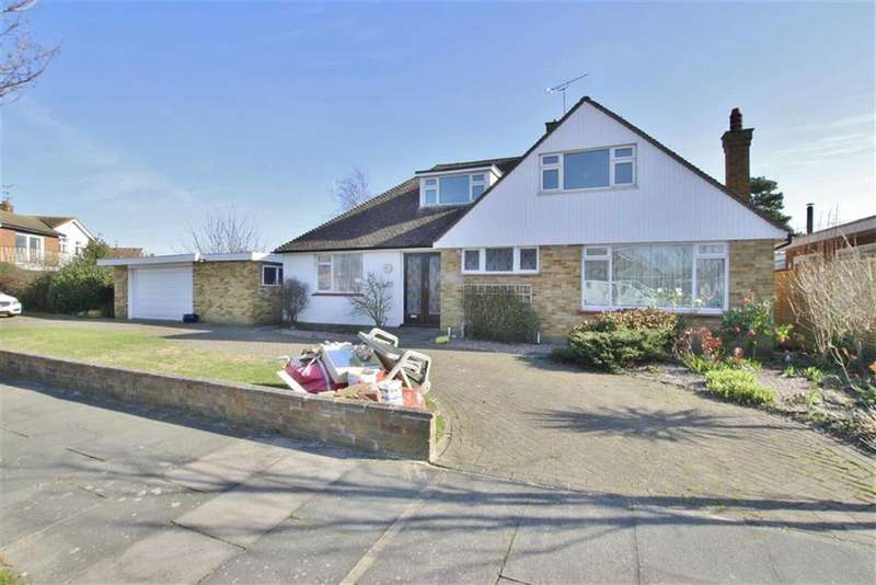 4 Bedrooms Chalet House for rent in Wyatts Drive, Thorpe Bay, Essex