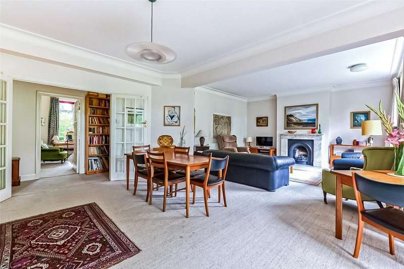3 Bedrooms Flat for sale in Wood Lane, London, N6