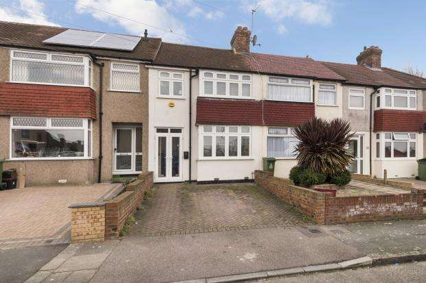 3 Bedrooms Terraced House for sale in Leckwith Avenue, Bexleyheath, DA7