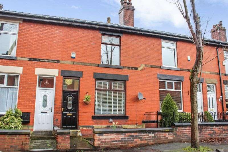 2 Bedrooms Property for sale in Mostyn Avenue, Bury