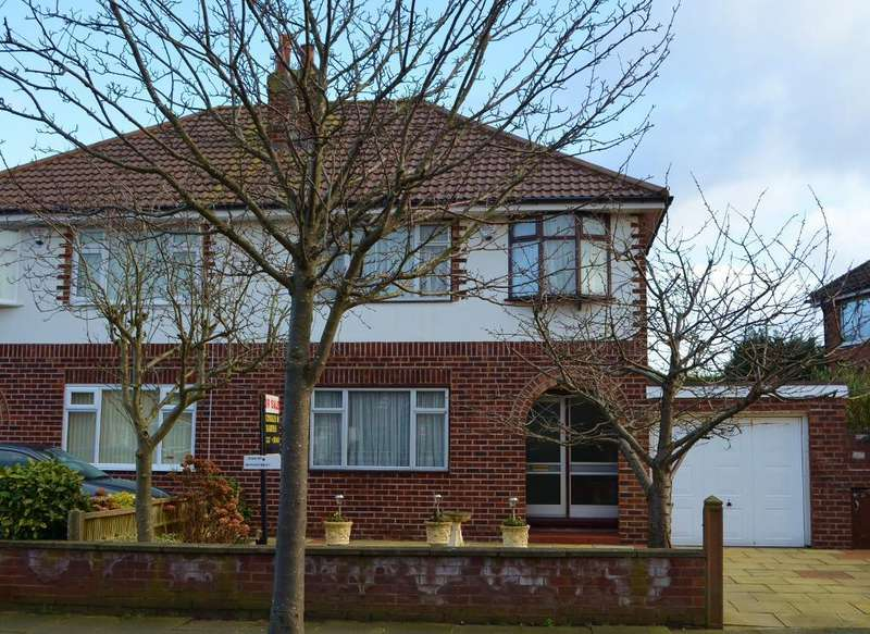 3 Bedrooms Semi Detached House for sale in Links Avenue, Southport, PR9 9QB