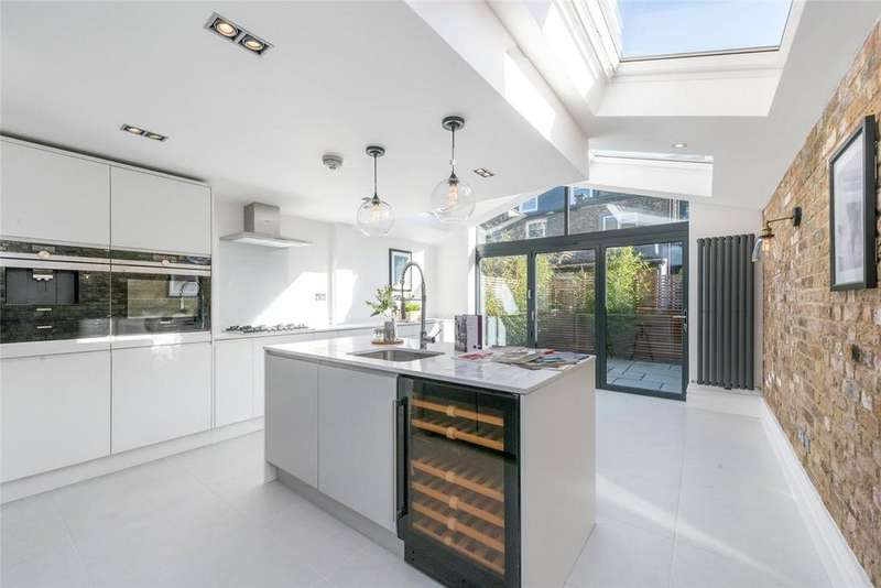 4 Bedrooms Terraced House for sale in Hiley Road, London, NW10