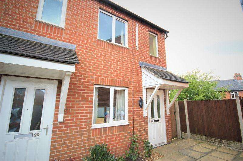 2 Bedrooms Flat for sale in Prince William Close, Whitchurch