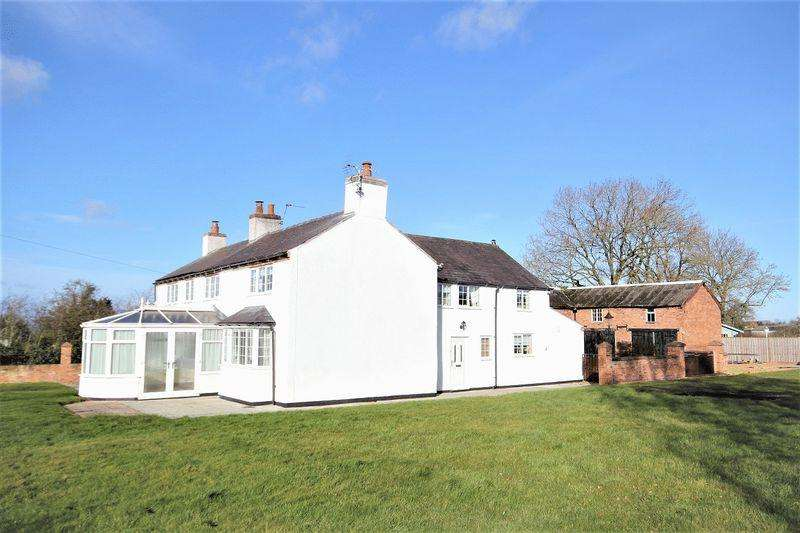 5 Bedrooms Detached House for sale in Greaves Lane East, Threapwood