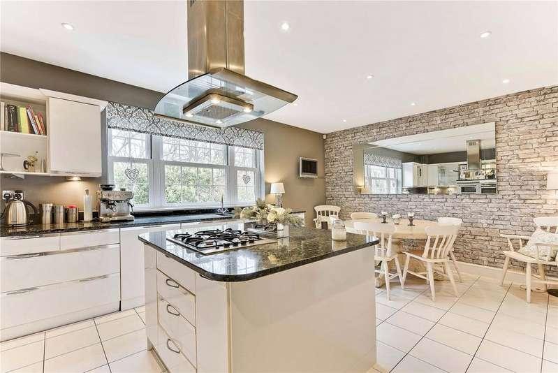 4 Bedrooms Semi Detached House for sale in Haines Court, Weybridge, KT13