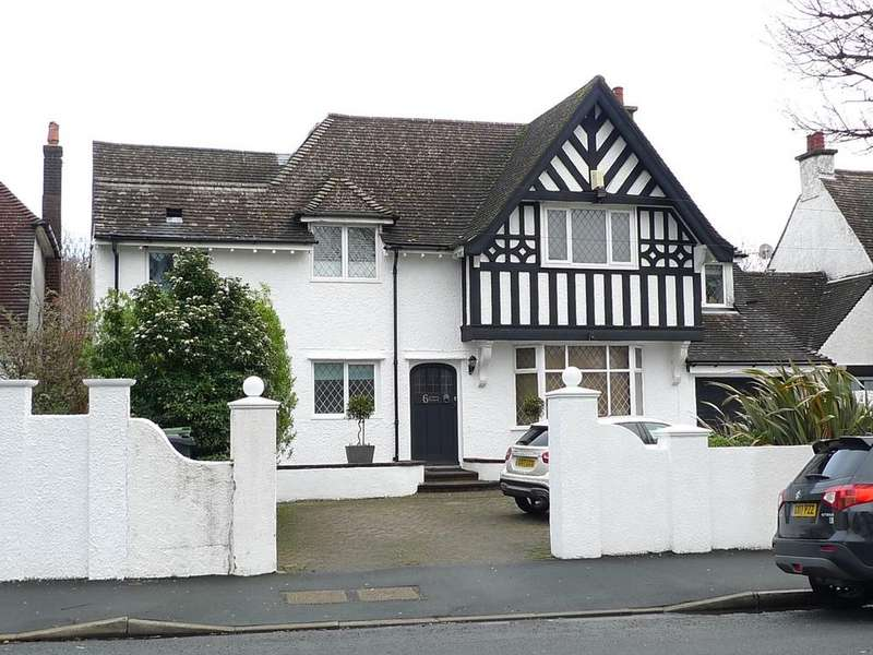 5 Bedrooms Detached House for sale in Kings Drive, Eastbourne, BN21