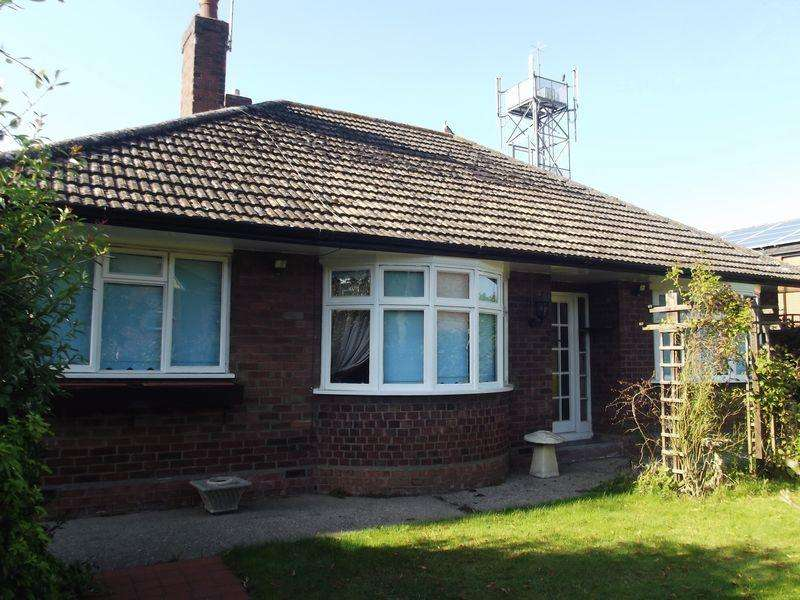2 Bedrooms Detached Bungalow for rent in Witham Road, Woodhall Spa