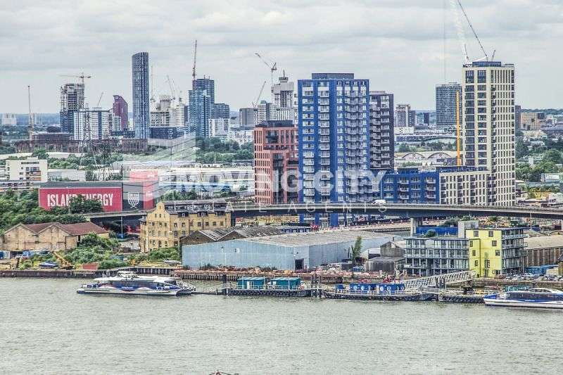 Flat for sale in Albion House, City Island, E14