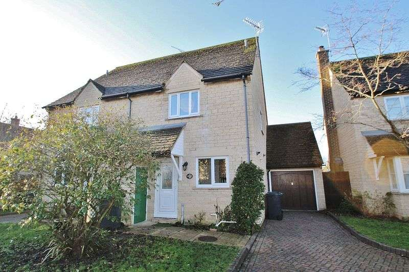 3 Bedrooms Property for sale in Kingsfield Crescent, Witney