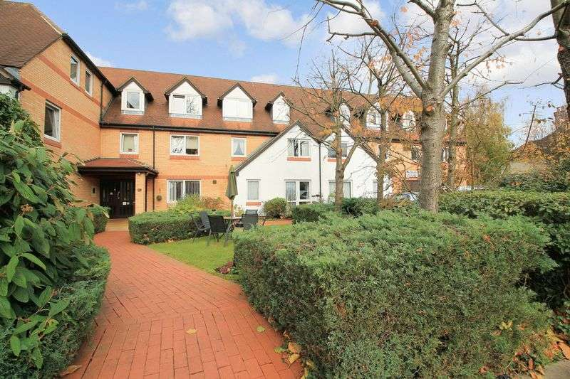 1 Bedroom Property for sale in Homan Court, North Finchley, N12 9HW