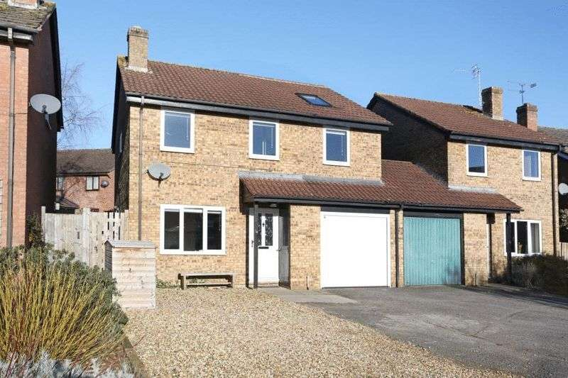 4 Bedrooms Property for sale in Tropenell Close, Corsham