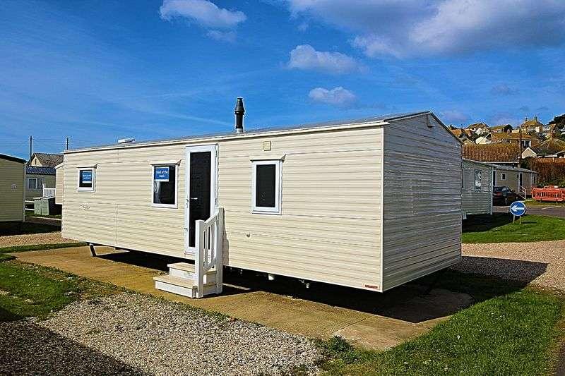 2 Bedrooms Property for sale in West Bay, Bridport
