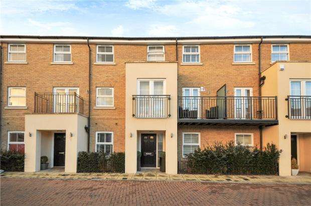 4 Bedrooms Terraced House for sale in Autumn Way, West Drayton