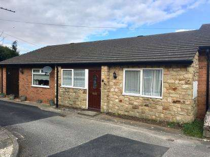 2 Bedrooms Bungalow for sale in Rhos Y Wern, Rhos Street, Ruthin, Denbighshire, LL15