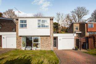 5 Bedrooms Detached House for sale in Riverdale, River, Dover, Kent