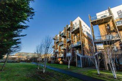 2 Bedrooms Flat for sale in Rustat Avenue, Cambridge, Cambridgeshire