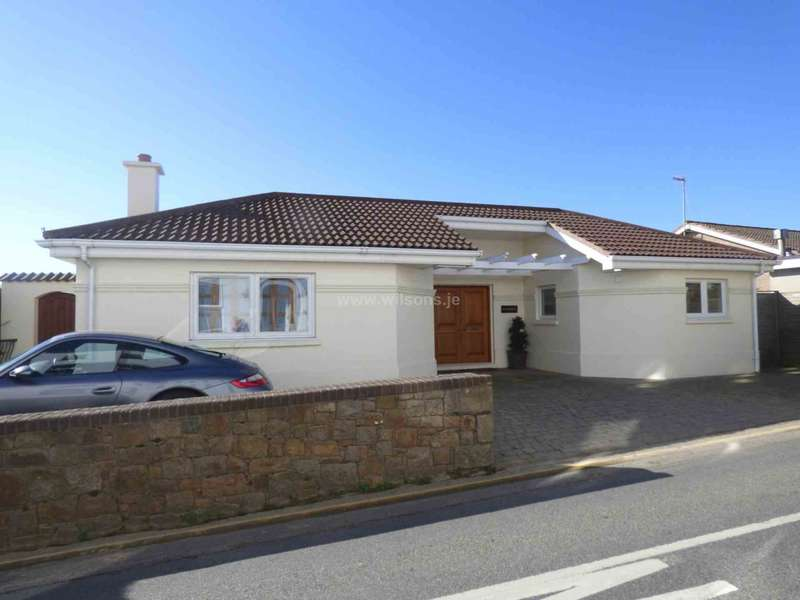2 Bedrooms Detached House for sale in Gorey