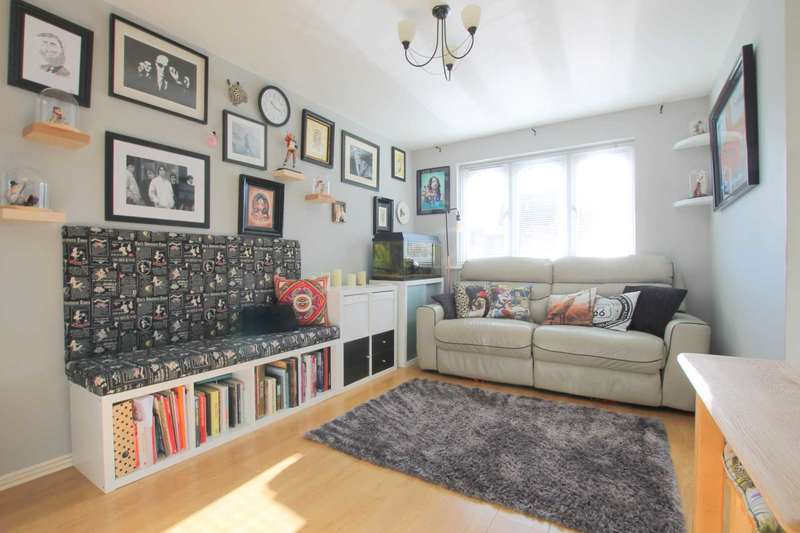 1 Bedroom Flat for sale in Southwold Road, Watford