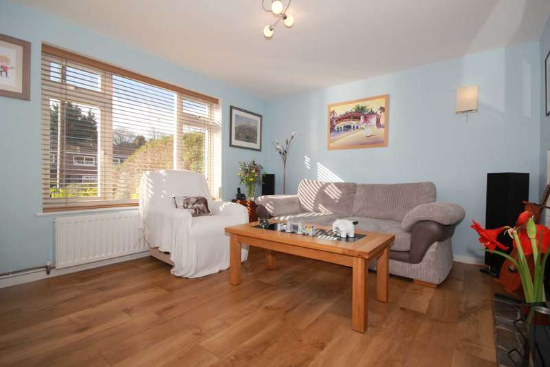 2 Bedrooms End Of Terrace House for sale in PARKING, CLOSE TO SOUGHT AFTER SCHOOLING and 2 DOUBLE BEDROOMS in BOXMOOR.