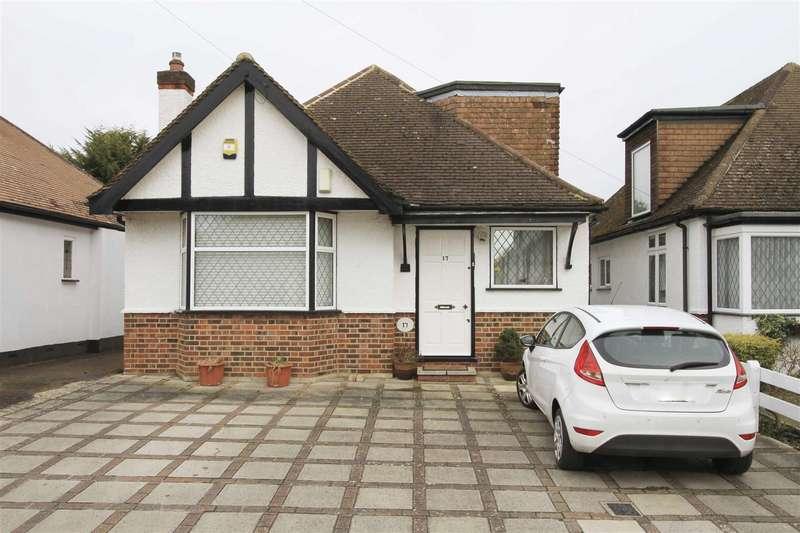 3 Bedrooms Detached Bungalow for sale in Keswick Gardens, Ruislip